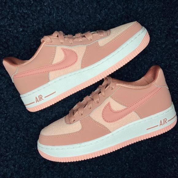 Nike Air Force Lv8 Rust Pink